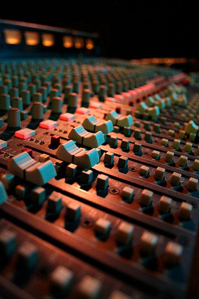 Audio_mixer_faders2